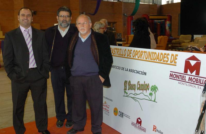 Rastrillo en Lorca a beneficio de 'El buen camino'