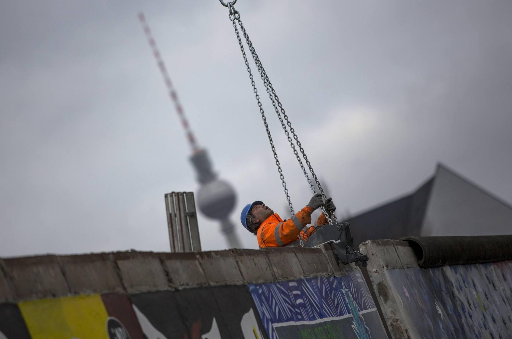 El Muro de Berlín seguirá en pie