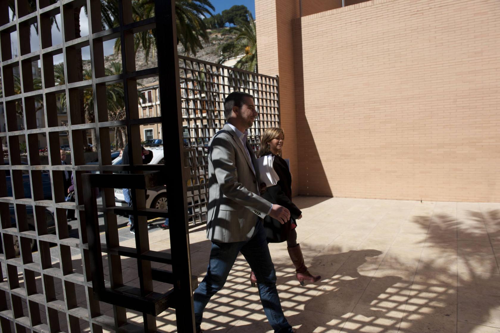 Orihuela presenta una demanda de desahucio del Palacio de Justicia