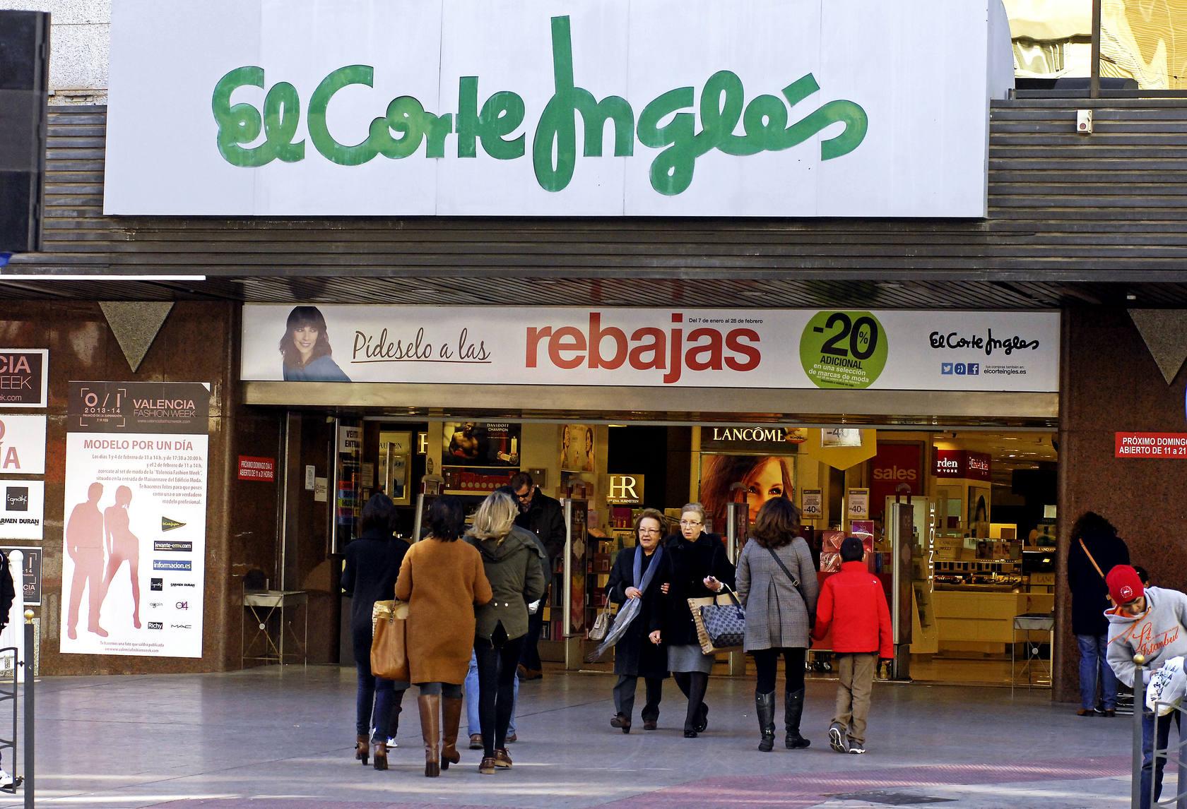 Primer domingo de apertura de comercios en el centro de Alicante