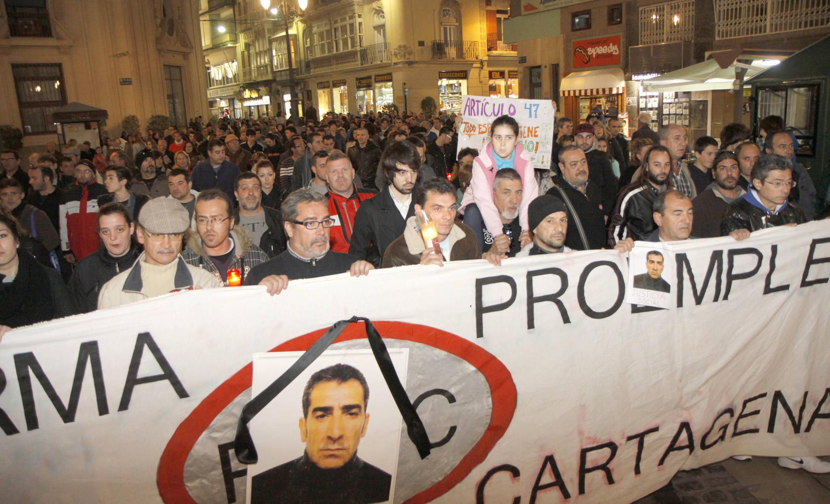 Manifestación en recuerdo del hombre que se quitó la vida en Cartagena